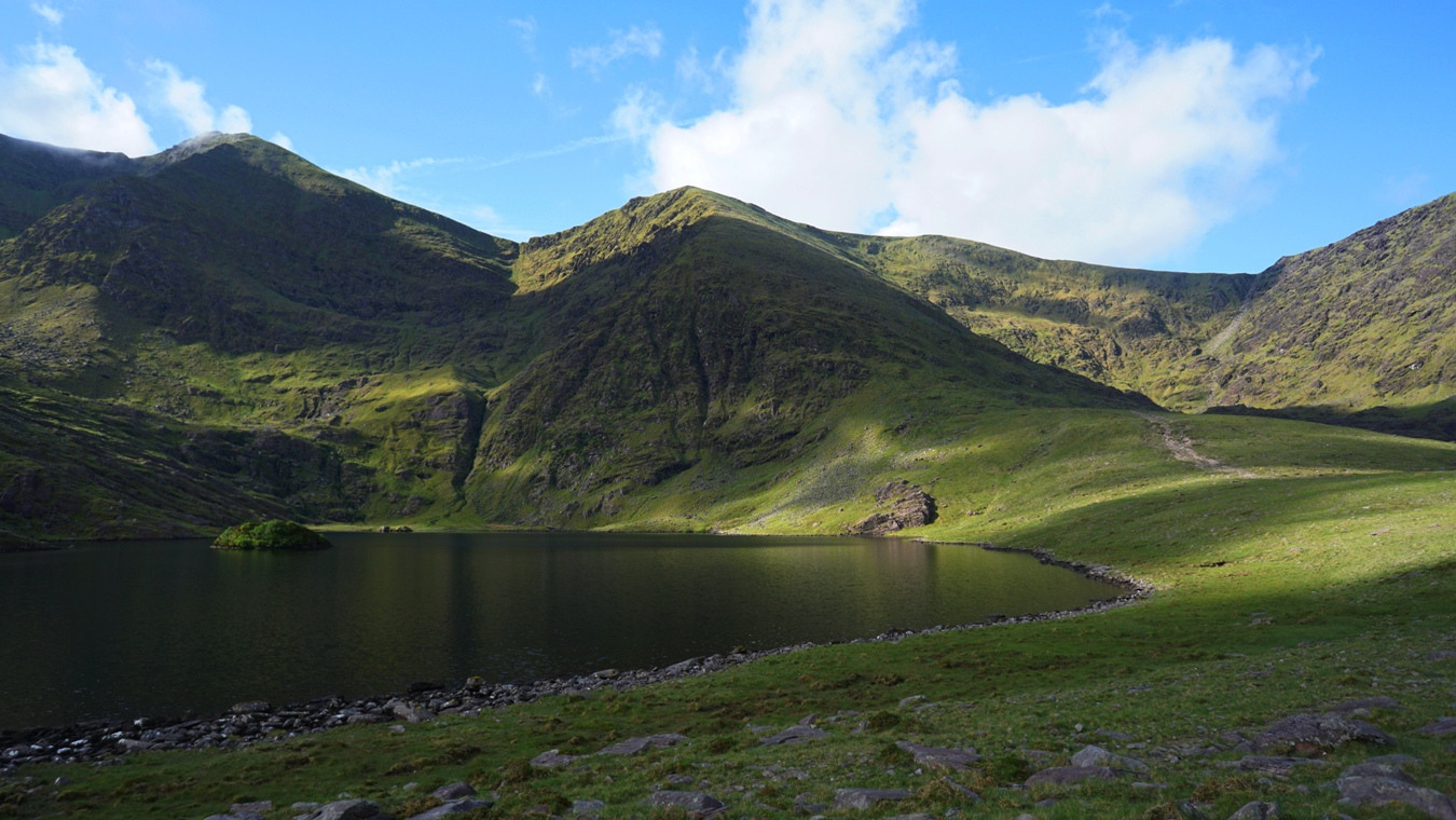 Der Lough Callee am Carrauntoohil.
